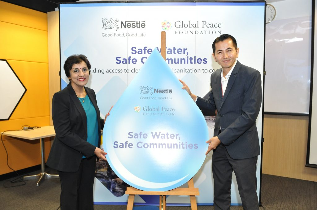 Ms. Nirmalah Thurai, Executive Director of Group Corporate Affairs, Nestlé Malaysia [left] with Dr Teh Su Thye, Chief Executive Officer of the Global Peace Foundation during the launch of the Safe Water, Safe Communities project, aimed at providing clean water to deserving communities.